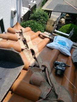 さいたま市の浦和区で瓦屋根修理。_c0223192_21413060.jpg