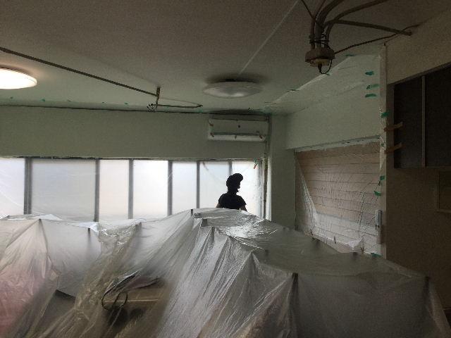 マンション・梁塗装・扇風機・カーテンレール_f0031037_18424362.jpg