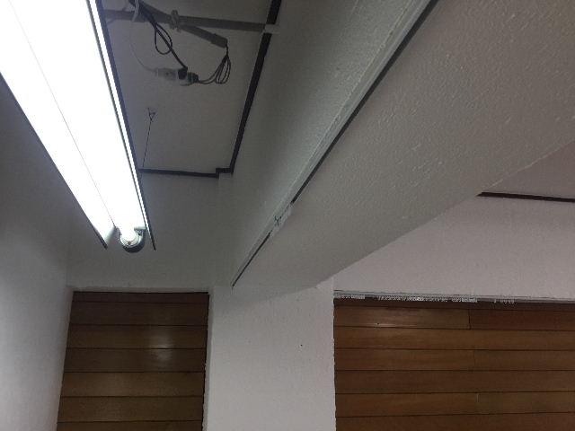 マンション・梁塗装・扇風機・カーテンレール_f0031037_18425283.jpg