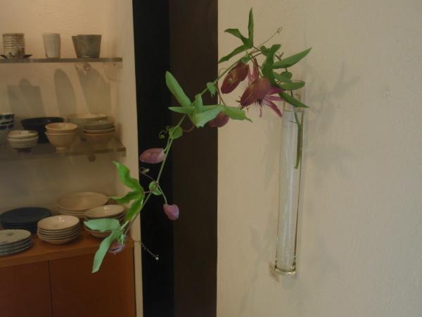 お花を入れ替えました_b0132442_17375625.jpg