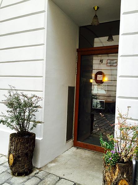 Neko Cafe_c0352544_16004255.jpg