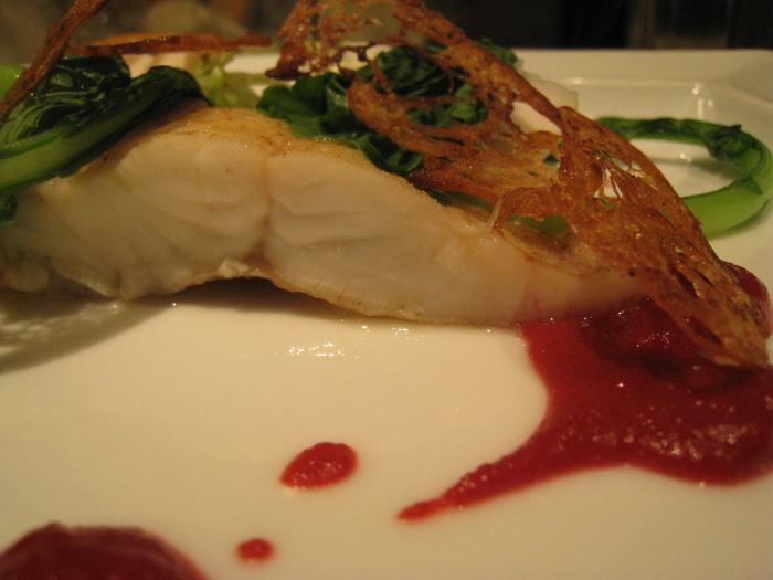 夏の白身魚と言えばスズキ!ふわりとしたムニエルに。&7月30日(木)のランチメニュー_d0243849_22395150.jpg