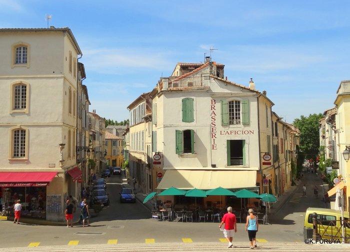 フランス周遊の旅 13 古代遺跡の街アルル_a0092659_19425979.jpg