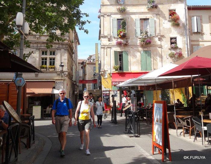 フランス周遊の旅 13 古代遺跡の街アルル_a0092659_207959.jpg