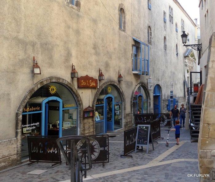 フランス周遊の旅 13 古代遺跡の街アルル_a0092659_23392459.jpg
