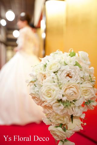 東京大神宮の新婦さんへ スズランをいれたティアドロップブーケ_b0113510_16473815.jpg
