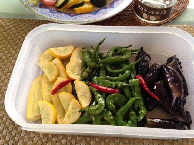 小さな夏野菜たちで・・_b0236665_15281188.jpg