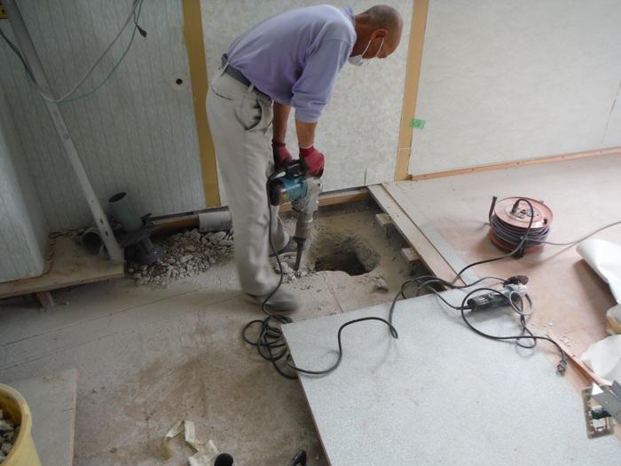 事務所の室内改装 ~ トイレの移設_d0165368_822529.jpg