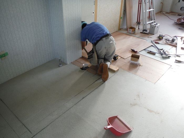 事務所の室内改装 ~ トイレの移設_d0165368_823944.jpg