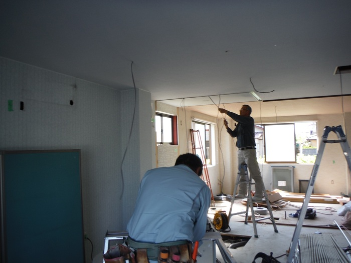 事務所の室内改装 ~ トイレの移設_d0165368_83252.jpg