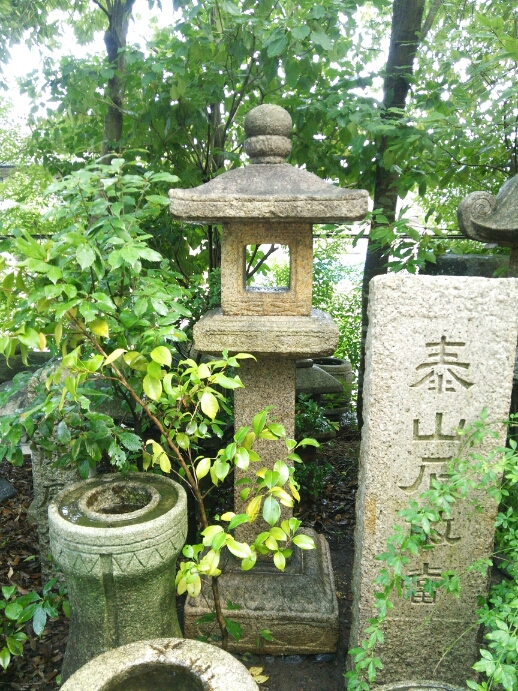 古材燈籠_f0183722_15463540.jpg