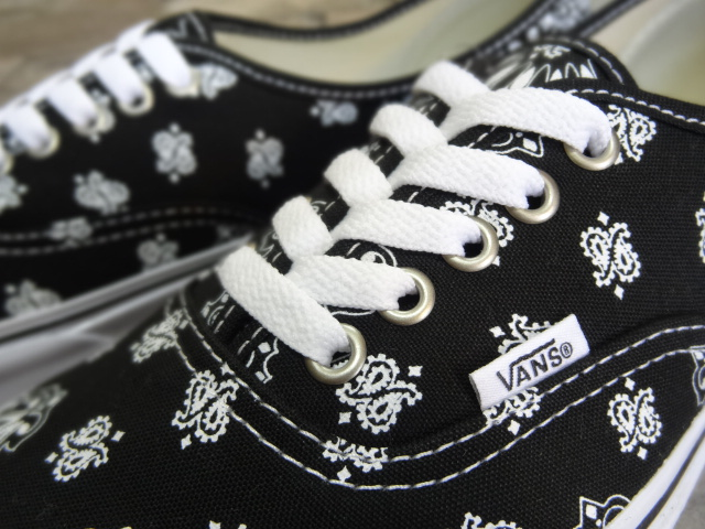 VANS Authentic ~BANDANA~_a0221253_1964076.jpg