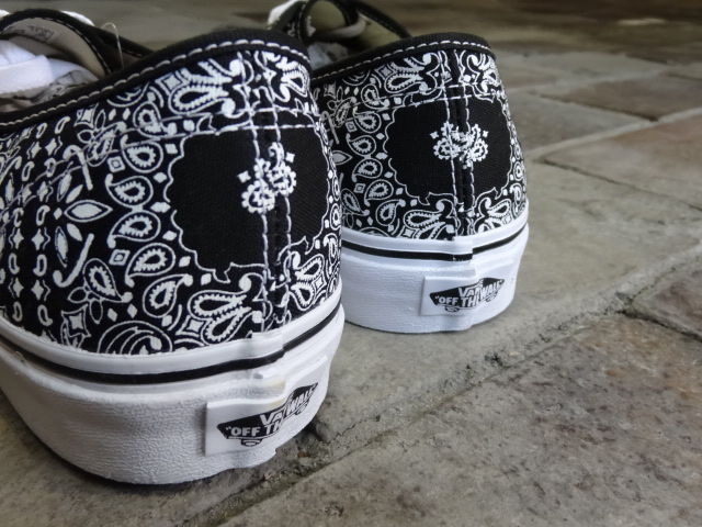 VANS Authentic ~BANDANA~_a0221253_1994642.jpg