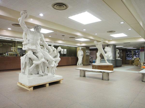 新たな大石膏像が仲間入り!_f0227963_20262317.jpg