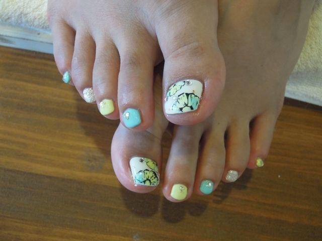 Flower Foot Nail_a0239065_15413327.jpg