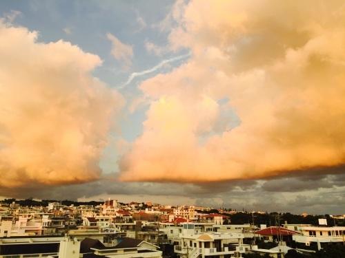 Dynamic sky._c0153966_19253024.jpg