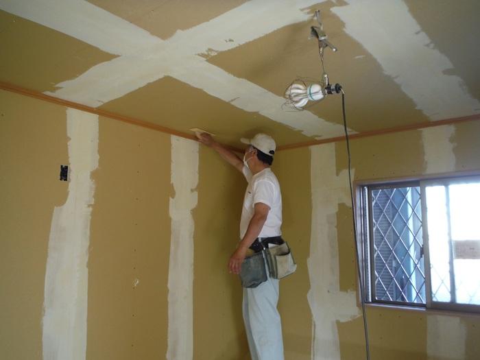 事務所の室内改装 ~ クロス工事_d0165368_16293523.jpg