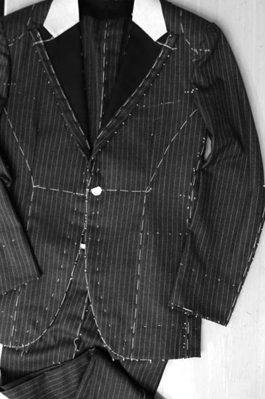 フルオーダー仮縫い と デットストックのモヘア混裏地_b0081010_1745497.jpg