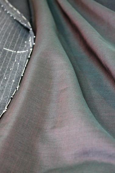 フルオーダー仮縫い と デットストックのモヘア混裏地_b0081010_174673.jpg