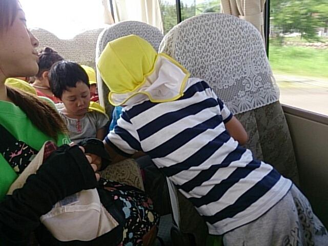 バスの中_c0212598_10145791.jpg