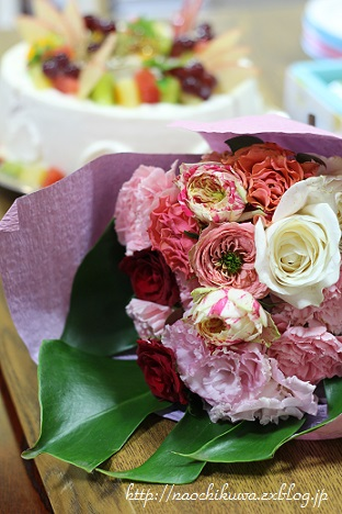 母のお誕生日ケーキ☆シフォンデコレーション_c0251314_1642843.jpg