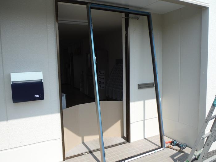 事務所の室内改装 ~ 入口ドア取替_d0165368_15495757.jpg