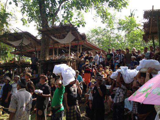 メ・プル伯母さんの合同火葬式が行われました。 _a0120328_13583426.jpg