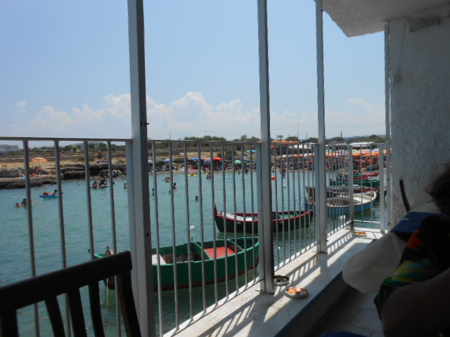 海辺のお手ごろレストラン_b0305039_5162265.jpg