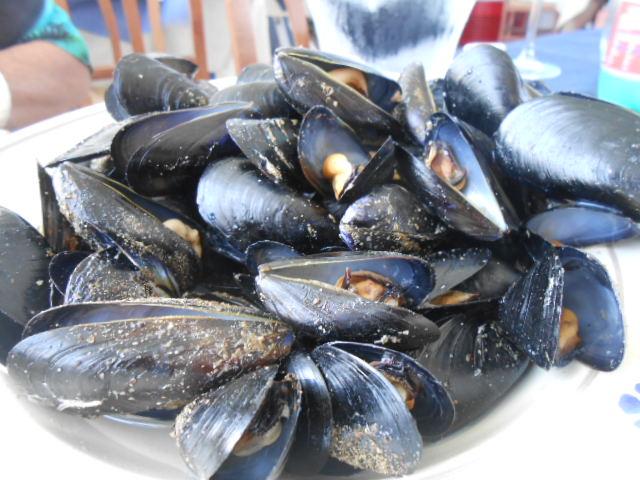 海辺のお手ごろレストラン_b0305039_5225359.jpg