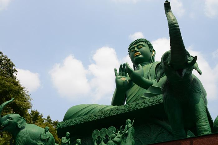 名古屋の珍スポット!全長15mの緑色の巨大大仏!名古屋大仏_e0171573_2045124.jpg