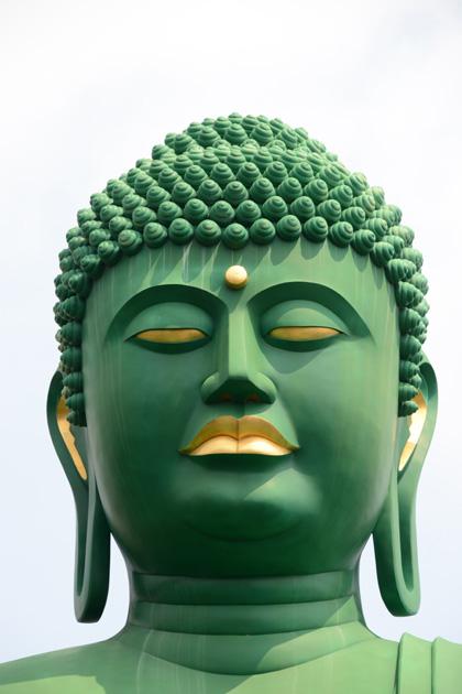 名古屋の珍スポット!全長15mの緑色の巨大大仏!名古屋大仏_e0171573_20452439.jpg