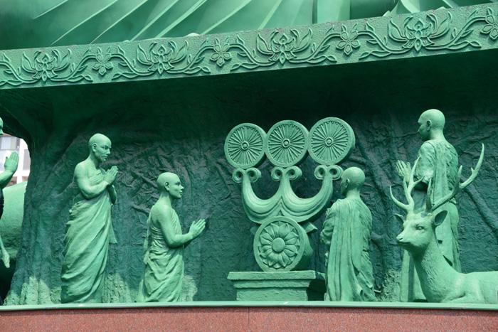 名古屋の珍スポット!全長15mの緑色の巨大大仏!名古屋大仏_e0171573_20453674.jpg
