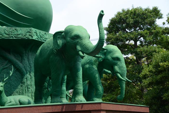 名古屋の珍スポット!全長15mの緑色の巨大大仏!名古屋大仏_e0171573_20454325.jpg