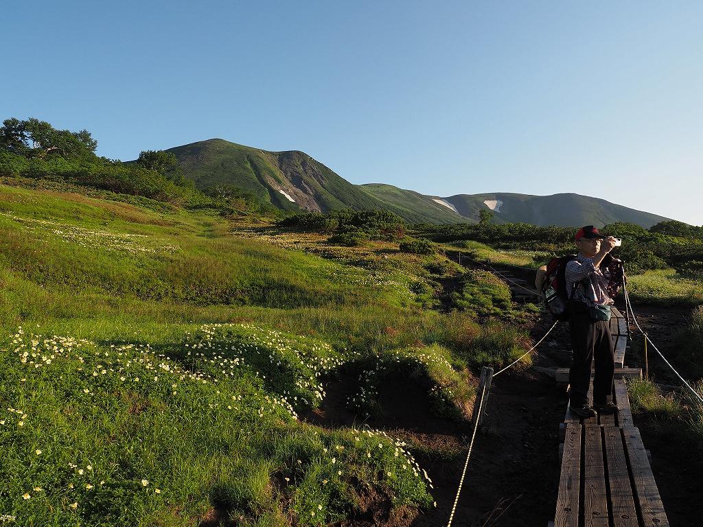 大雪3色登山、8月3日-緑岳編-_f0138096_11394023.jpg