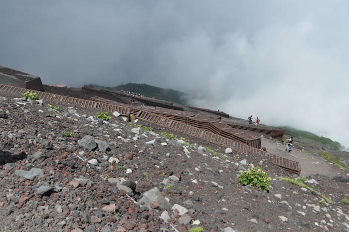 富士登山 五合目から八合目_b0067012_13223665.jpg