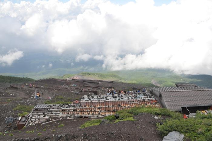 富士登山 五合目から八合目_b0067012_17333129.jpg