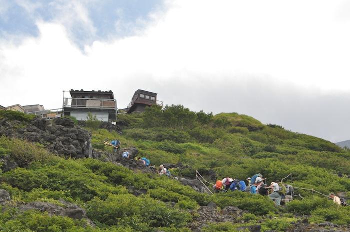 富士登山 五合目から八合目_b0067012_17412688.jpg