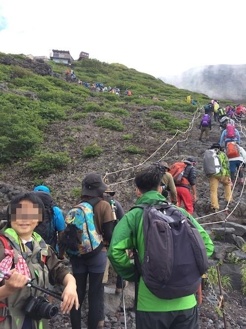 富士登山 五合目から八合目_b0067012_17494373.jpg
