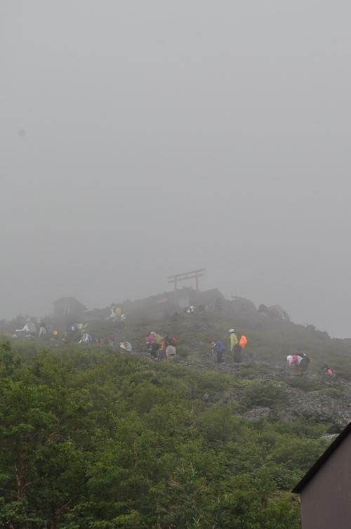 富士登山 五合目から八合目_b0067012_1803387.jpg