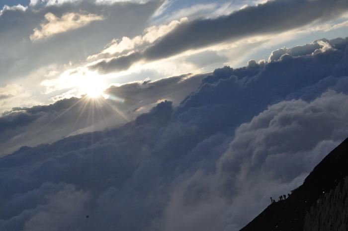 富士登山 五合目から八合目_b0067012_9341061.jpg