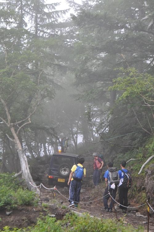 富士登山 五合目から八合目_b0067012_9375452.jpg