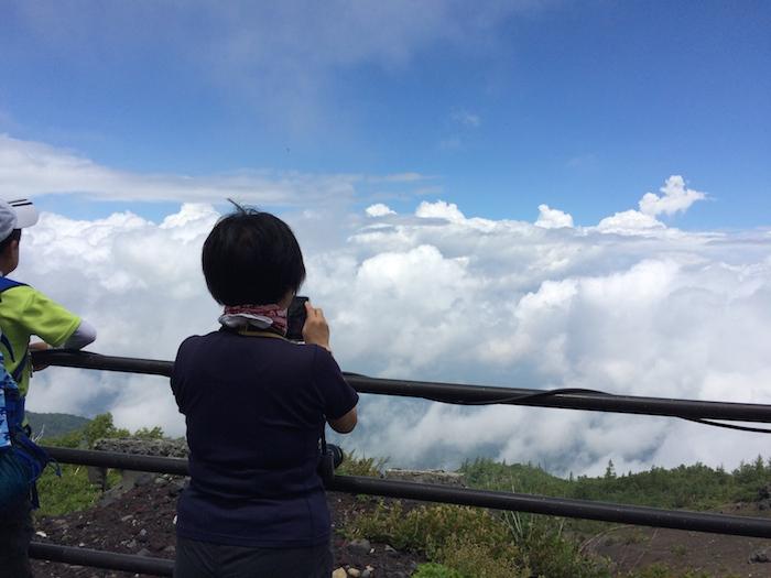 富士登山 五合目から八合目_b0067012_9435390.jpg