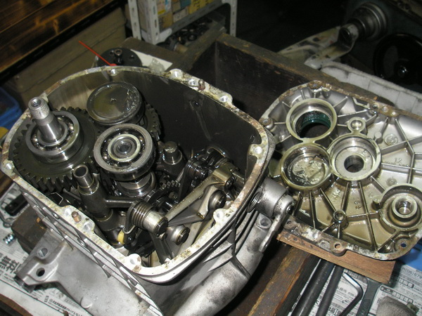 BMW 旧Rタイプ 75-100 ミッションOH_e0218639_1114513.jpg