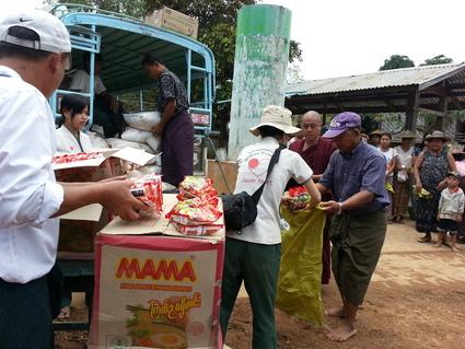 HELP! ミャンマー大洪水_e0046467_16122557.jpg