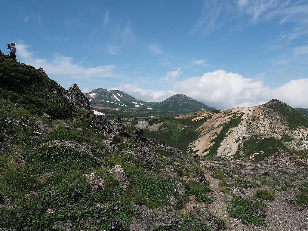 大雪3色登山、8月3日-2度目の緑岳編-_f0138096_11374326.jpg