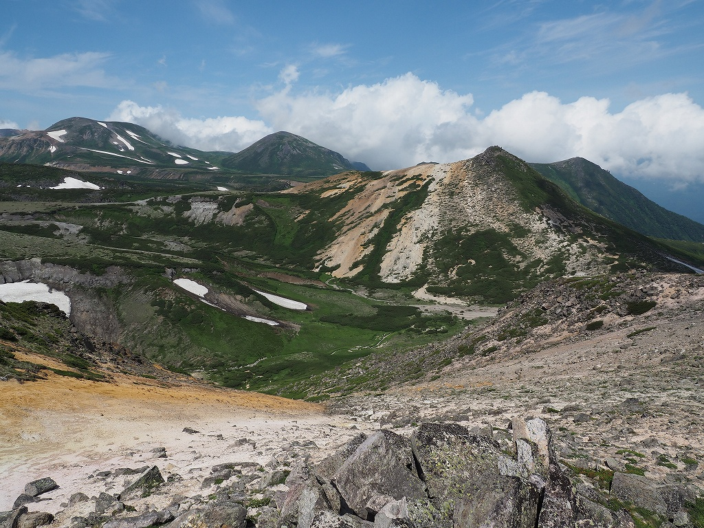 大雪3色登山、8月3日-2度目の緑岳編-_f0138096_11375167.jpg