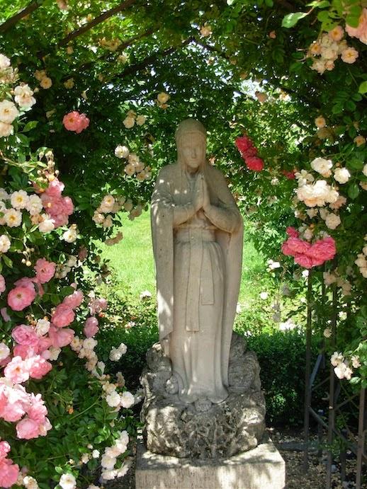 マグダレーネン庭園のマグダラのマリア像_c0229584_22172255.jpg