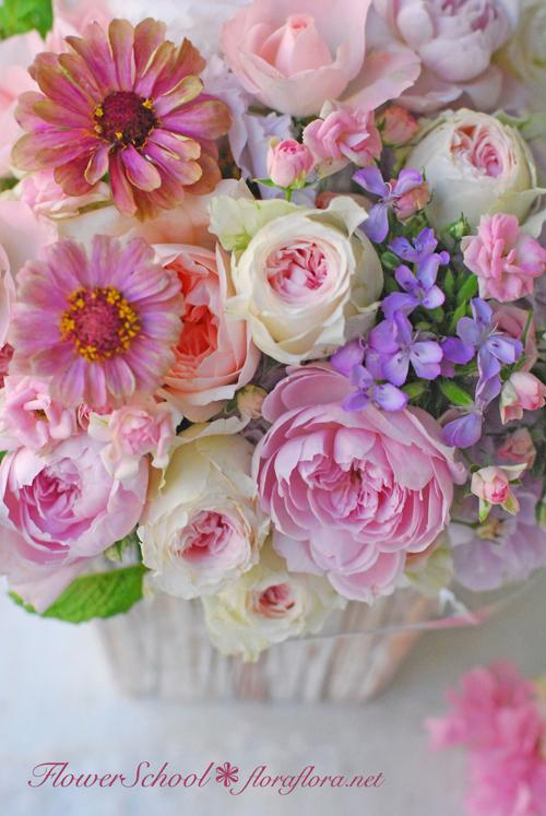 8月生花レッスン ポストカードにするために…写真に撮るためにお花をいける * 夏休みのお知らせ *_a0115684_17344526.jpg