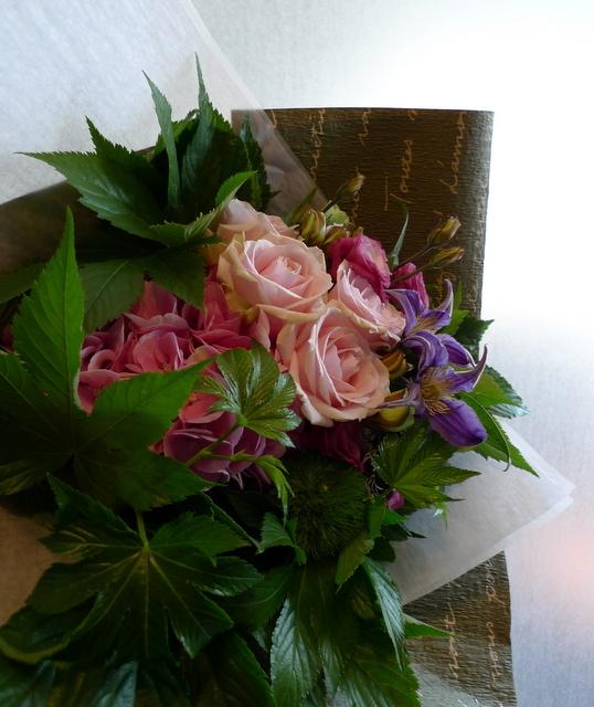 お誕生日の花束。女性用。_b0171193_22070534.jpg