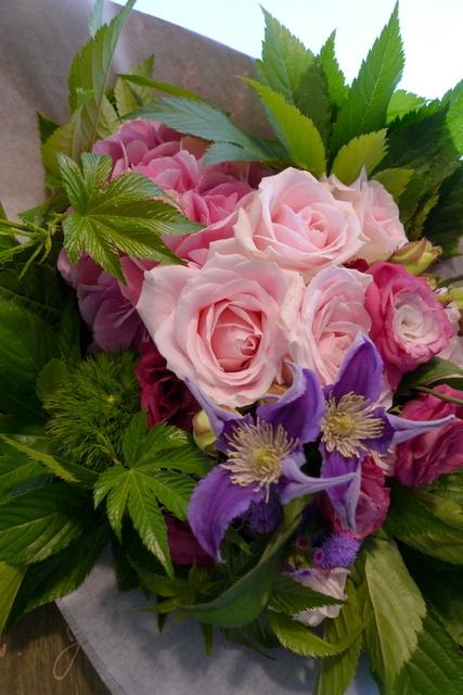お誕生日の花束。女性用。_b0171193_22071790.jpg
